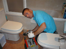 Disponemos de un servicio de fontaneros 24 horas urgentes y económico durante todos los días del año en Alicante y alrededores